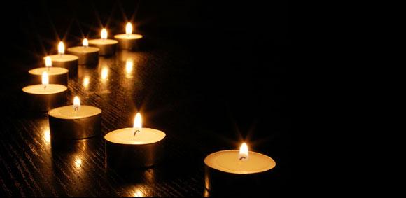 http://www.ichtus.fr/wp-content/uploads/2013/07/bougies-fond-noir.jpg